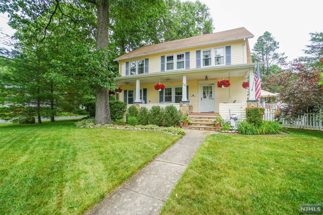 128 Glen Avenue, Midland Park, NJ 07432