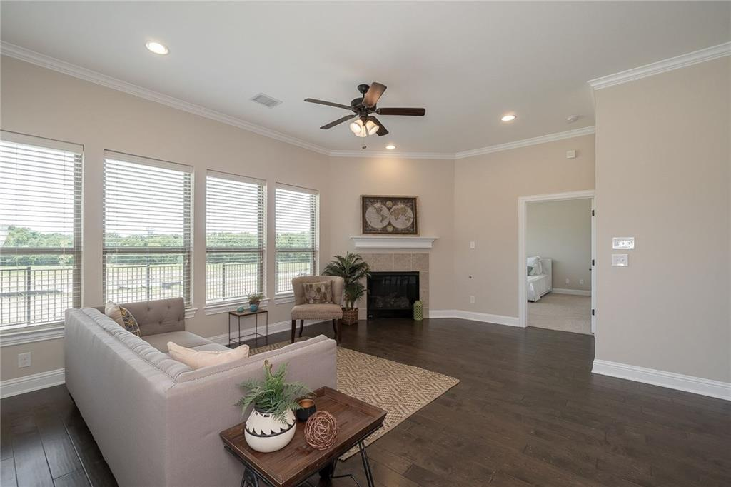 Photos are of current model homes. Representative of home currently listed for sale and under construction.