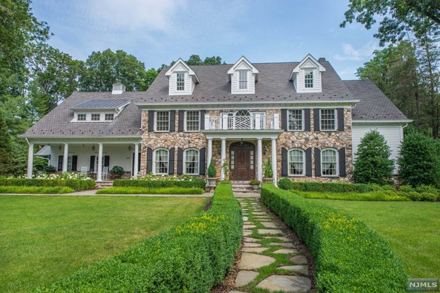 400 Indian Trail Drive, Franklin Lakes, NJ 07417