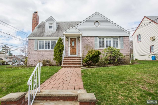 7 Cresthill Avenue, Clifton, NJ 07012