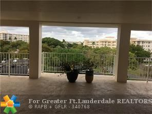 TOTO RENO BEAUTY CRNR  3/2  WRAP IN PALM AIRE CC 19.  GREAT VIEW. CENTRA LOC IN  COMPLX. A REAL MUST C. ON THE GOLF COURSE. NO EXPENSE WAS SPARED!!  PLEASE BRING YOUR FUSSIEST BUYERS TO  THIS CONDO!! TEN JOG PATHS, COMM CENTER/ ALL ACTIVITIES. YOGA .DANCE.CARDS.GOLF PRO SHOPS/ SPA / GOLF CS TENNIS/ HGE MASTER BATH/HUGE SHOWER ,INDIVL HIS/HER SINKS/ HUGE SHOWER!TRANQUIL,SERENE LAKEGOLF CS VIEWS.  SCRND PORCH! HUGE PANTRY! FOYER GOURT KITCHEN1 GRT MUS NO W/D BUT DYNOMITE THE BEST BUY !1700 SQ FT /TURNKEY