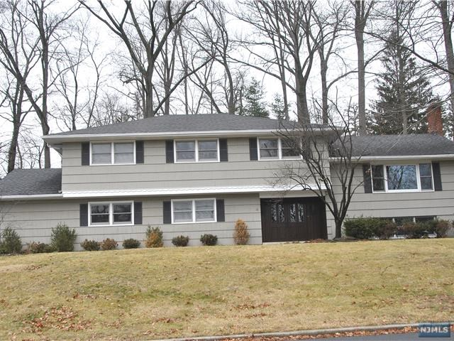 12 Sylvia Court, Woodcliff Lake, NJ 07677