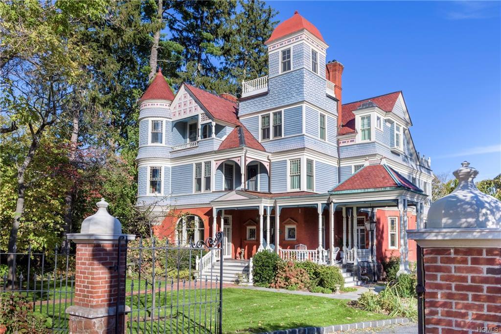 HUDSON RIVERFRONT HOME, the Bennett-Deyrup House, an 1880s, Queen Anne Victorian. Fully restored