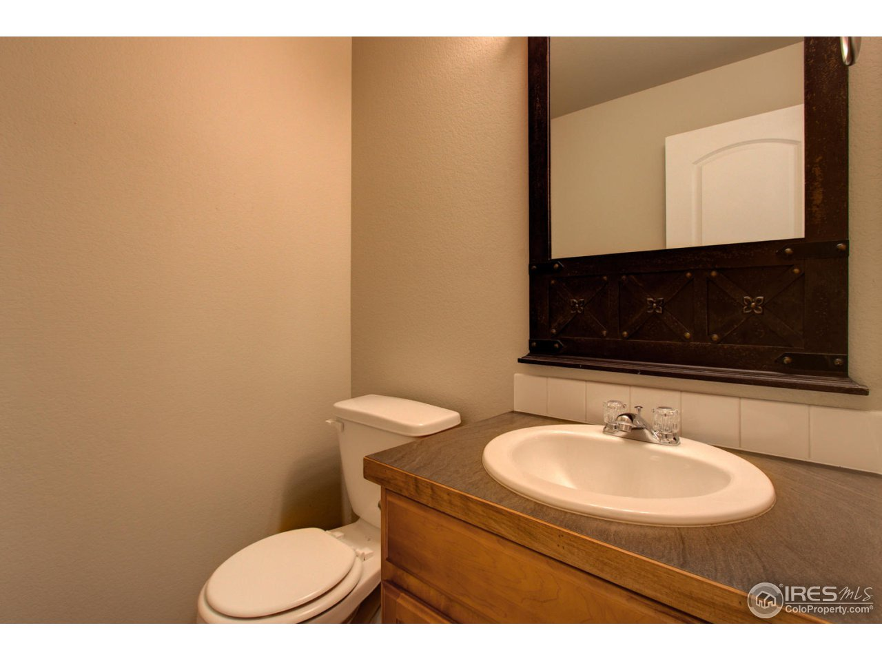 1/2 bath on lower level