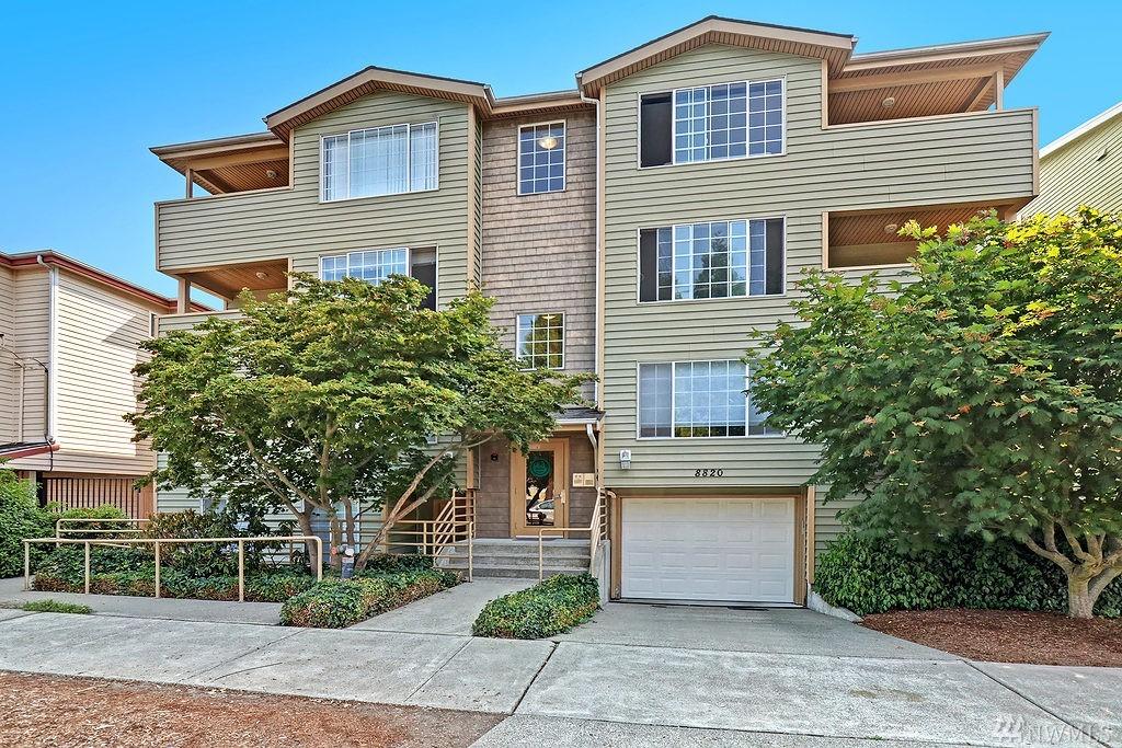 8820 Nesbit Ave N 302, Seattle, WA 98103