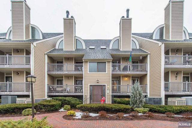 809 River Renaissance, East Rutherford, NJ 07073