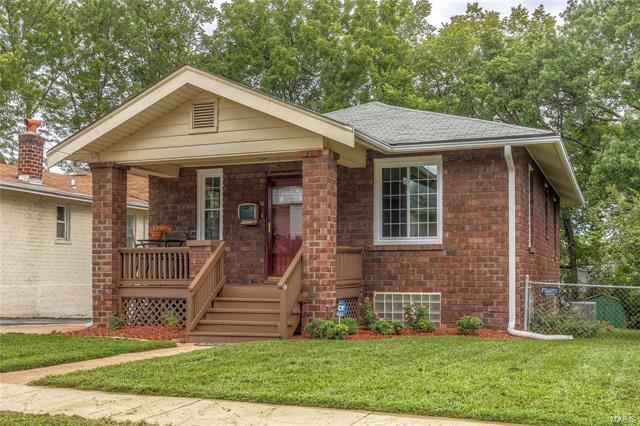 7407 Richmond Place, Maplewood, MO 63143