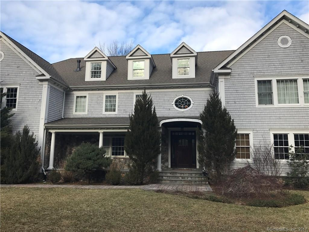 Nice and bright colonial on 3+ acres ,situated on cul de sac, spacious, well appointed rooms , close to Merritt . Needs some touching up but great condition.