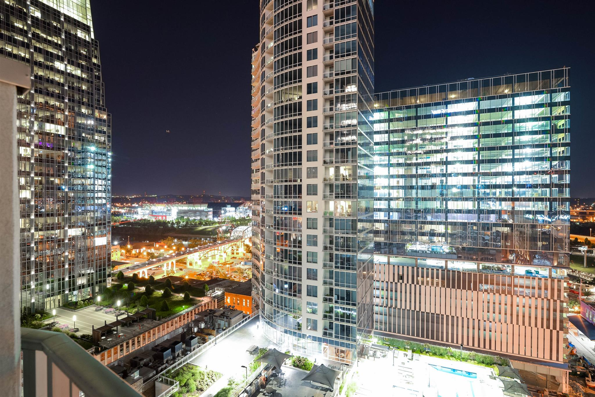 Live in the middle of it all...Bridgestone Arena, Ascend Amphitheater, Broadway, CMA Fest, Nissan Stadium. This #Nashville #SoBro Condo can be yours.  Contact me TODAY for a private night time showing with a downtown view. Buyers Agent to verify all info.