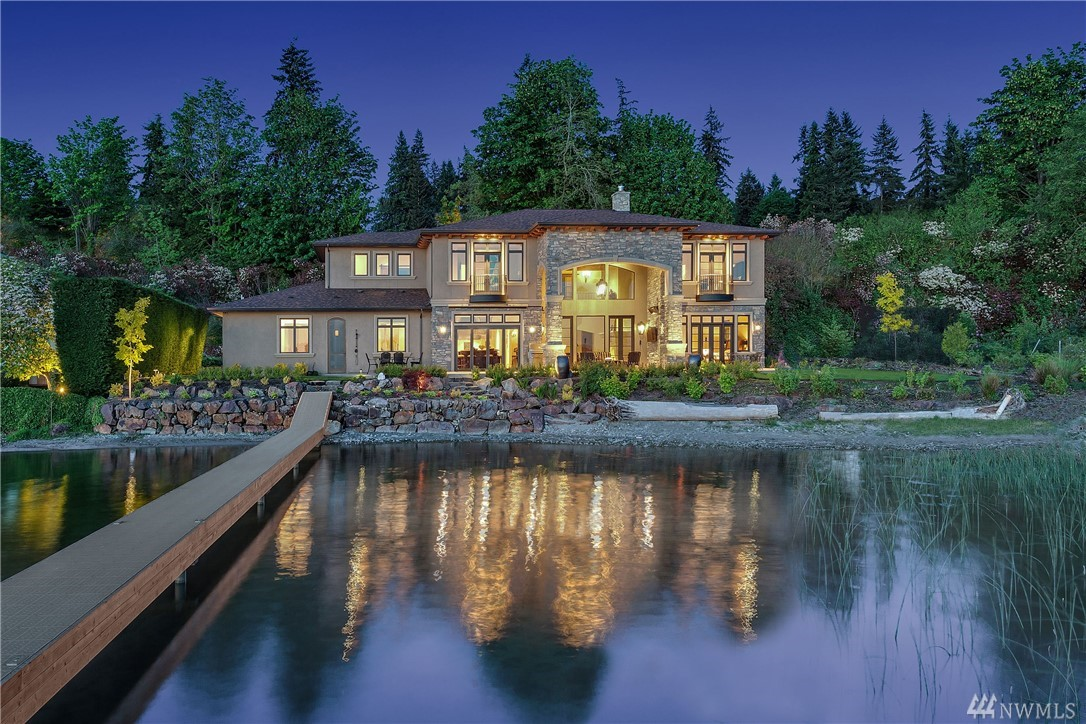 415 E Lake Sammamish Shore Lane NE, Sammamish, WA 98074