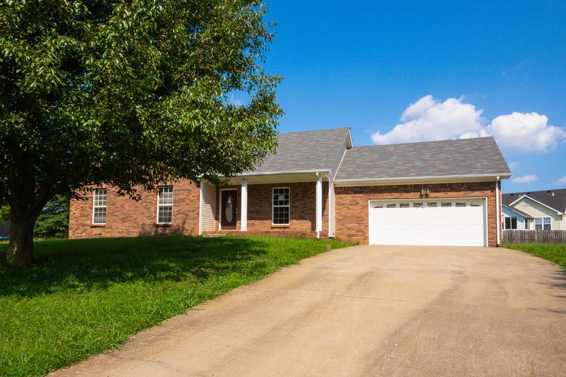 1136 Drawbridge Ct, Clarksville, TN 37040