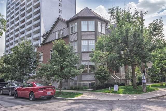 111A Bernard Ave, Toronto, ON M5R 3V9