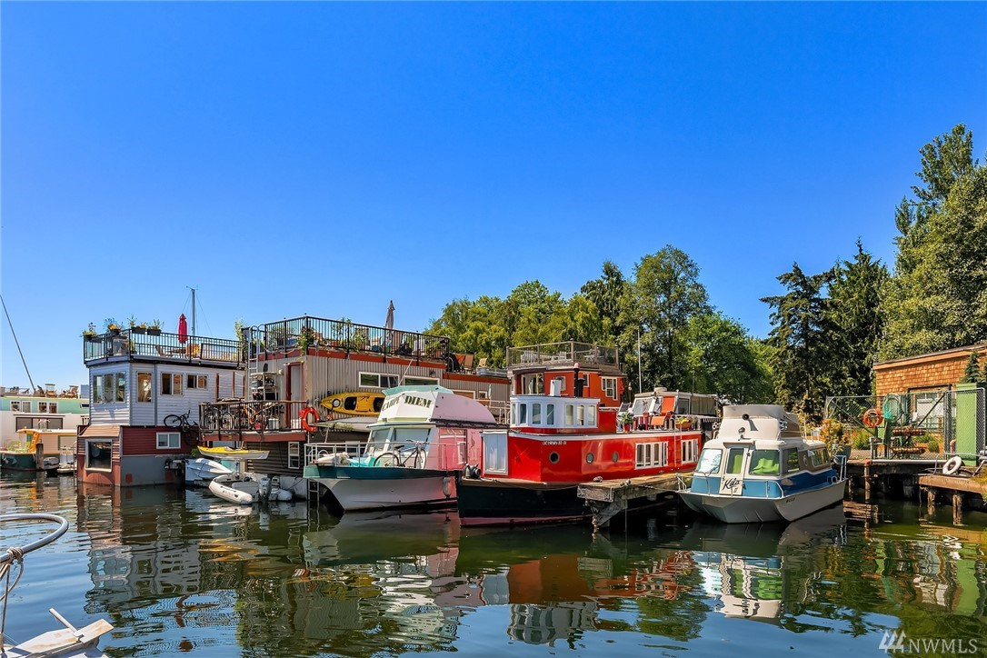 Rare chance to own a legal full time liveaboard houseboat w/ condo moorage on Lake Union! Locally built & measures just under 40 x 12 ft. Enjoy gas cooking w/ your new propane stove/oven! New sink, faucet, countertop, fridge, hot water tank, & elec panel. Newly remodeled bthrm w/ tub/shower, heater, vanity, head.New flooring throughout. Double berth w/ lrg dresser. Slip measurements:13.7 x 36 +15% overhang allowed. Convenient cabana includes laundry facilities, bthrms & showers.