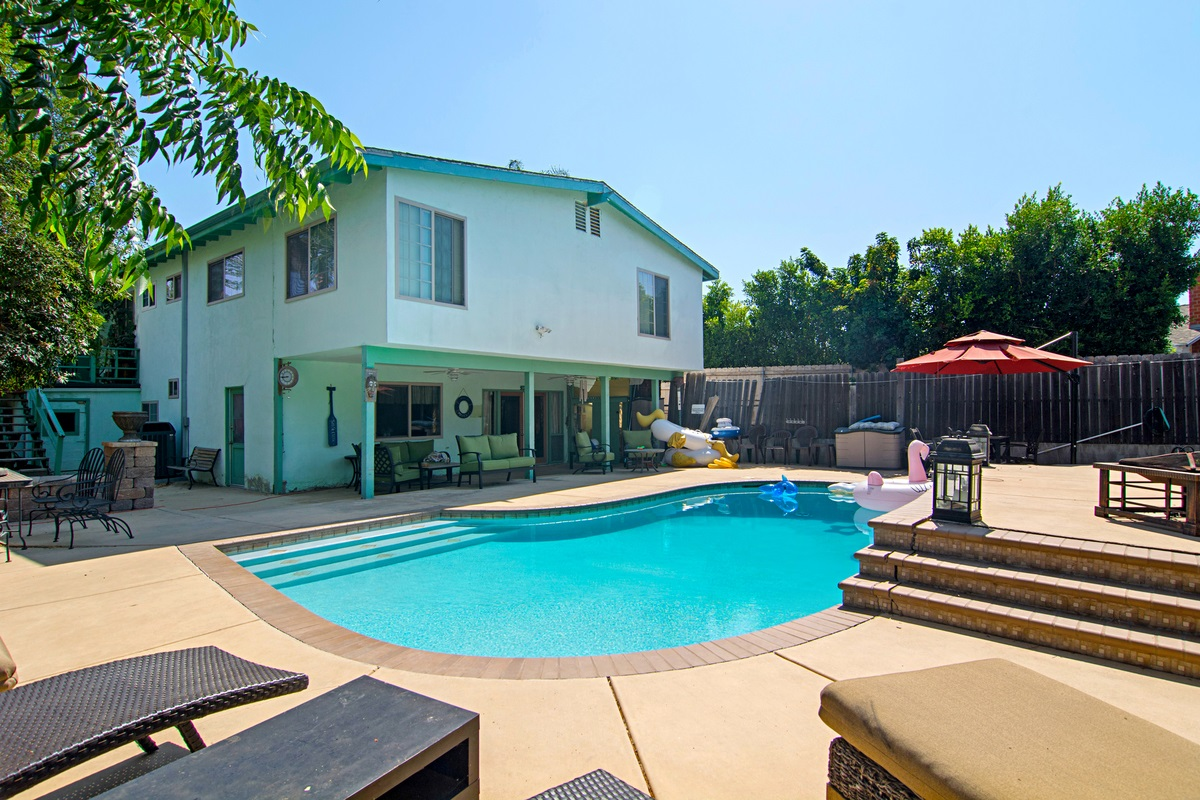 8402 Roy St, Lemon Grove, CA 91945