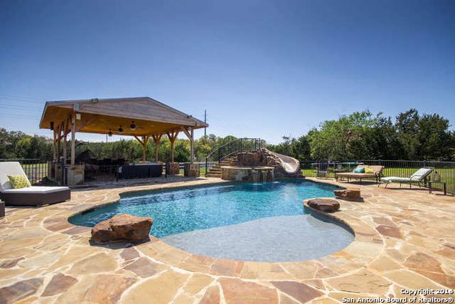 220 W Oak Estates Drive, San Antonio, TX 78260
