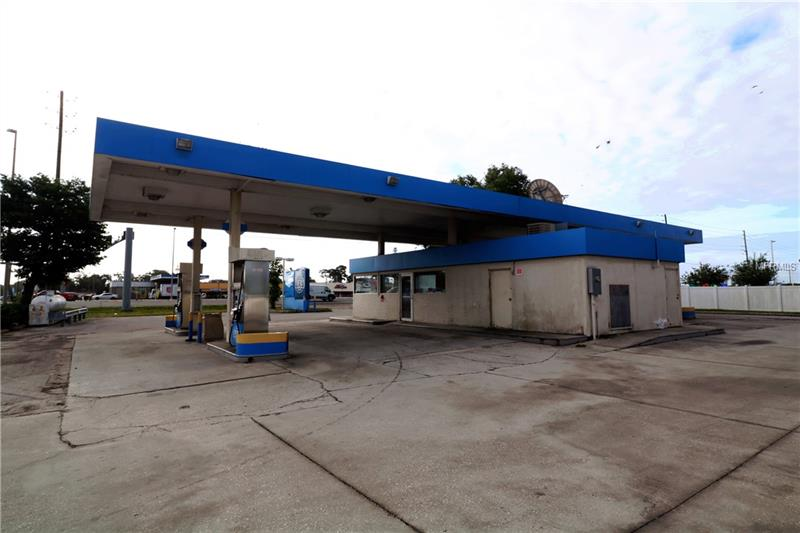 1937 US HIGHWAY 19 ROAD, HOLIDAY, FL 34691