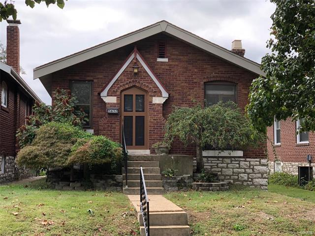5632 Holly Hills Avenue, St Louis, MO 63109