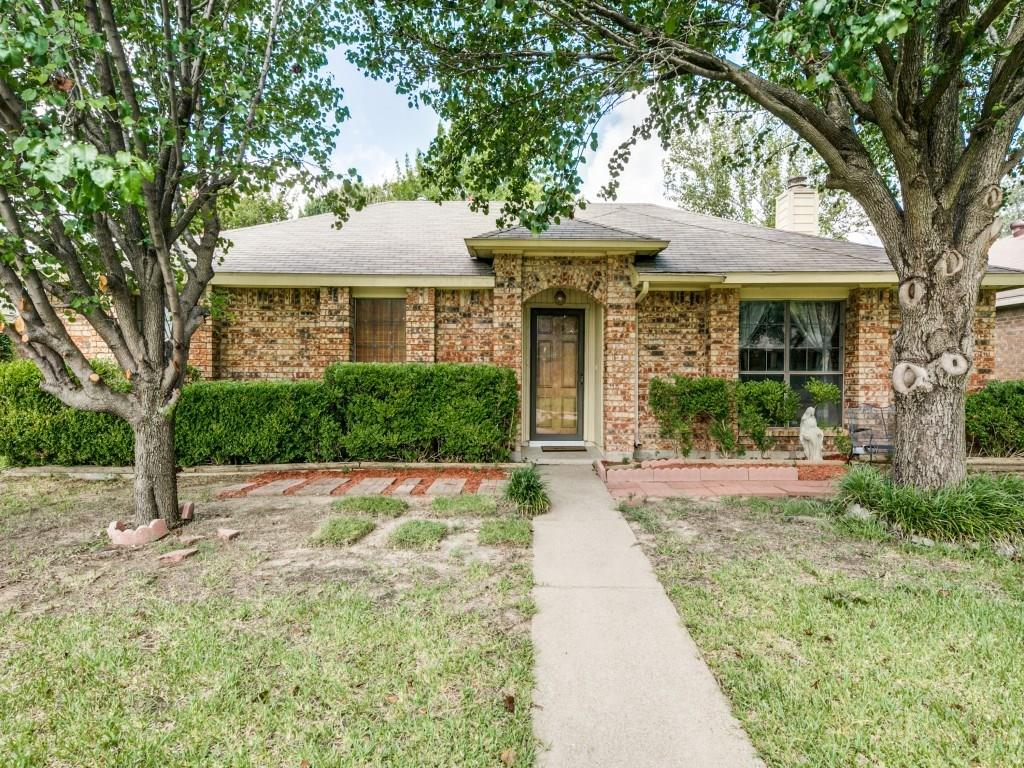 5239 Clover Haven Street, Dallas, TX 75227