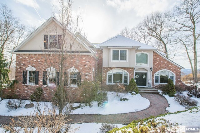 93 Coventry Way, Ringwood, NJ 07456