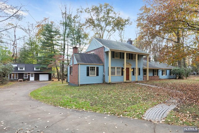 44 Locust Lane, Upper Saddle River, NJ 07458