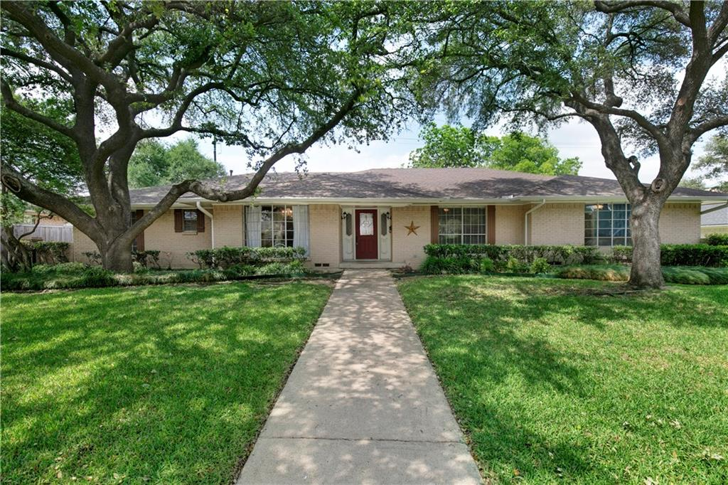 Updated ranch style home inside the 635 loop. Minutes from some of the finest schools in Dallas, including Jesuit College Prep School, St Rita School, The Parish Episcopal School, Greenhill School and Hockaday! Easy access to the N. Dallas tollroad, 635, downtown Dallas and the Galleria.   -Updated kitchen with granite counter tops and stainless appliances  -Shaded patio area for the BBQ grill -Laundry room with full size WD hookups -Bay windows in the front of the home -Ceiling fans throughout -Walk in closets throughout