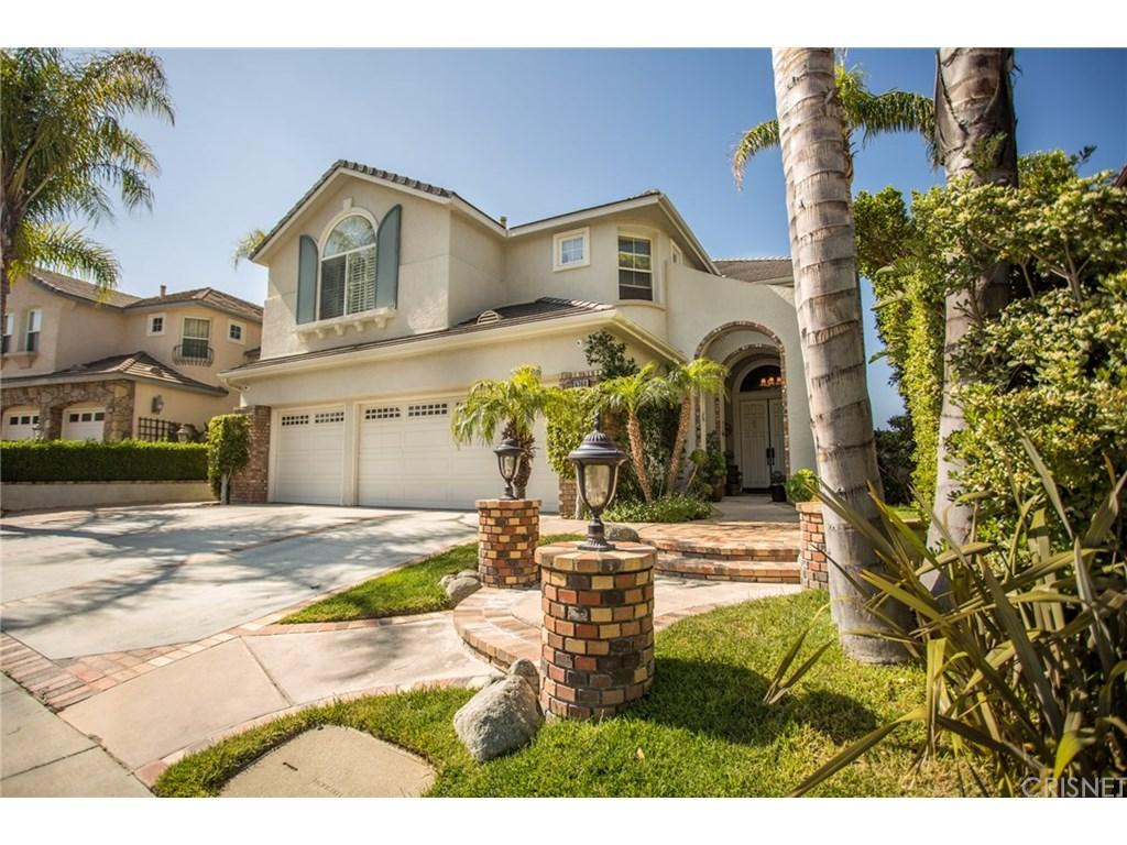 Spectacular home with a View. This Regency hills home offer 5 bedroom 4.5 bath, high vaulted ceiling. Gourmet kitchen with attached formal dining room features large center island newer appliances open up to the family room with access to a beautiful back yard with pool spa and built-in barbecue.  Master bedroom retreat with a balcony overlooking the peaceful hills view, 3 car garage and much more.  Enjoy this newer community with all utility underground. Award winning Oak Park schools, soccer/basketball /tennis fields & playground. 15 miles to Malibu. Must See.