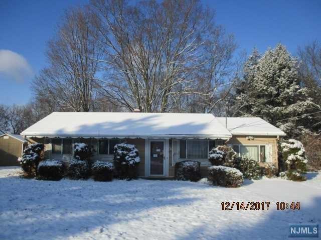 14 Mary Ann Road, Jefferson Township, NJ 07438