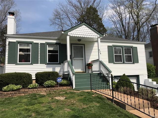 924 N GEYER, Kirkwood, MO 63122