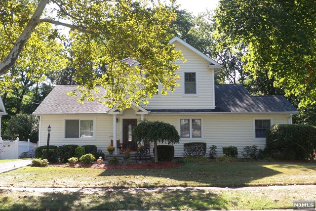 348 Oak Avenue, River Edge, NJ 07661