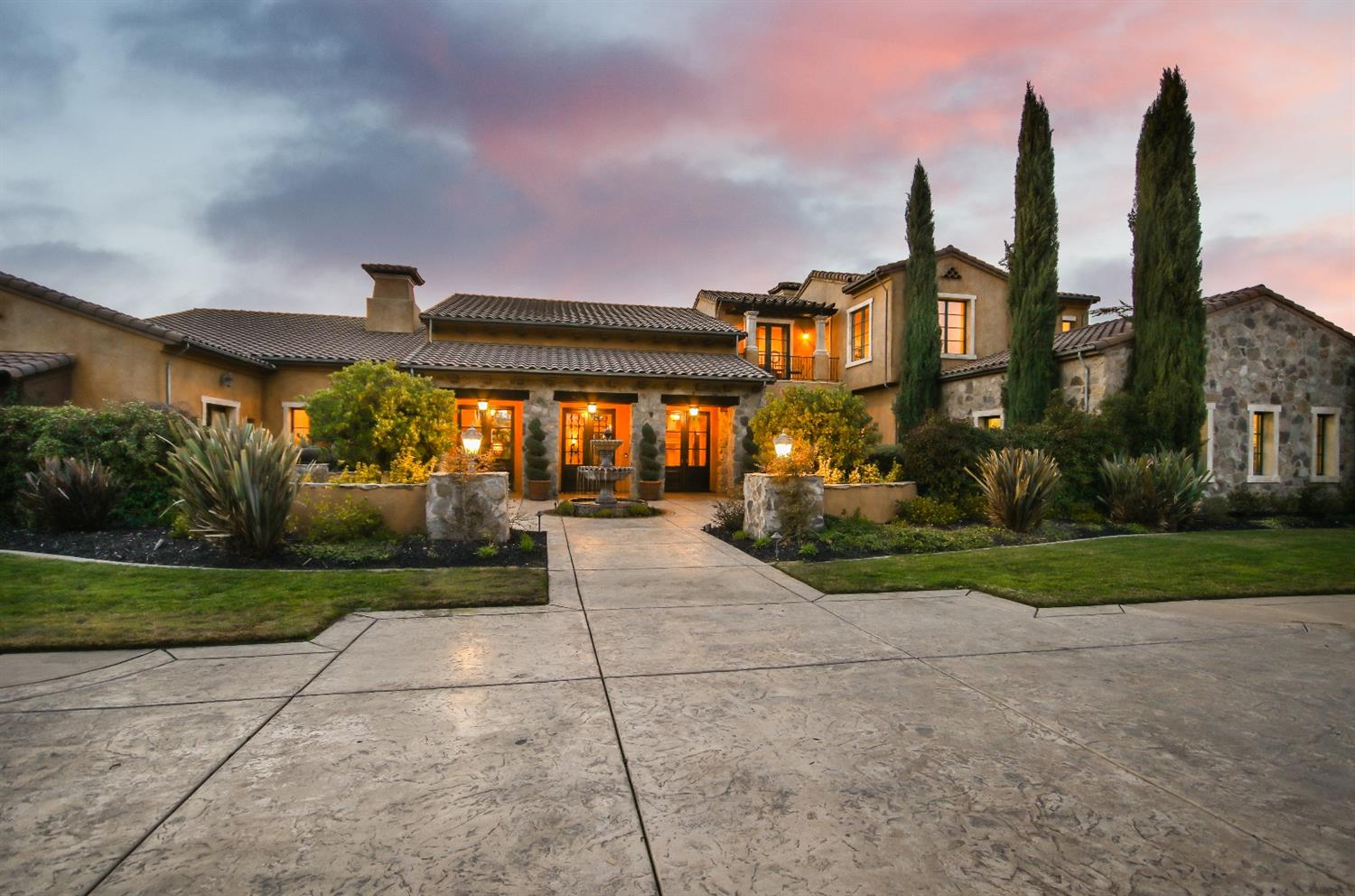 Bella Terra Estates Crown Jewel is completed with an old world European design. Tucked away in Granite Bay is a majestic Mediterranean Tuscan estate approx 8,600sq ft.This amazing estate offers world class luxury living, masterfully designed for ultimate entertainment. Out door loggia, with outdoor kitchen, Boccie ball court, private pond and lots of water features. Private guest quarters. Amazing 8 car garage and an additional detached motor home garage.