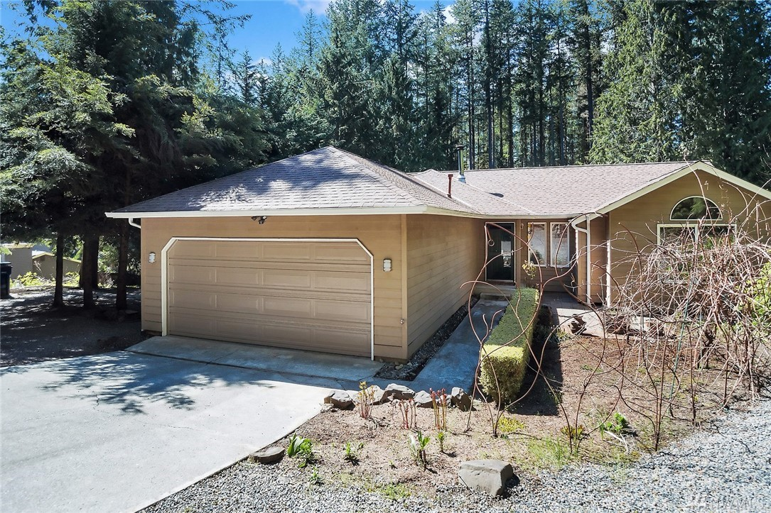 Beautiful 3 bed/2 bath rambler shy of one-acre. Quiet, peaceful setting with quick access to Hwy 202 & 520, just 20 min to Microsoft and minutes from downtown Redmond. The best of both worlds! Cozy and bright family room with wood fireplace. Large dining room and family room windows overlook fruit tree garden on a private backyard with tall fir trees. Kitchen features slab granite countertops, cherry cabinets, and a door that opens to a large sundeck. Plenty of parking for toys, boats & RV's.