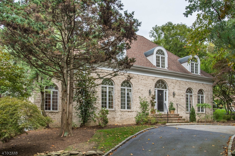 Nestled on over 2 AC of park-like property, this custom built CH Colonial has it all! Grand Foyer, Fabulous Floor Plan with large elegant rooms  & luxurious amenities, backyard w endless possibilities
