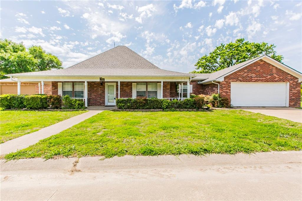 2859 Rodeo Drive, Quinlan, TX 75474