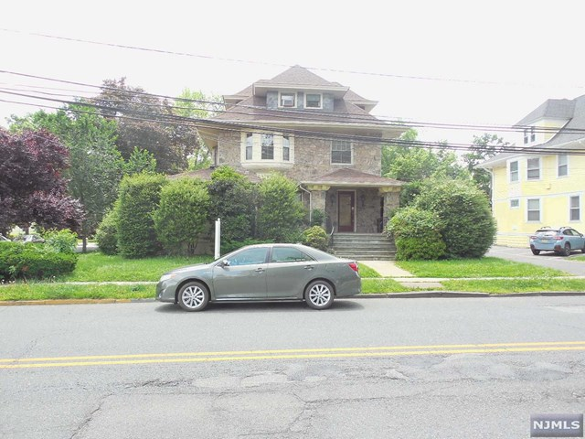 320 Belleville Avenue, Bloomfield, NJ 07003