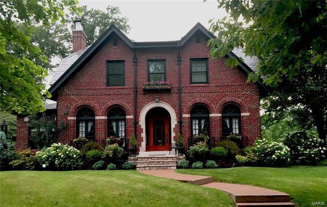 1267 Arch Terr, Richmond Heights, MO 63117