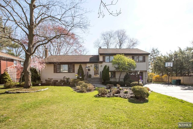 211 Delmar Avenue, Glen Rock, NJ 07452