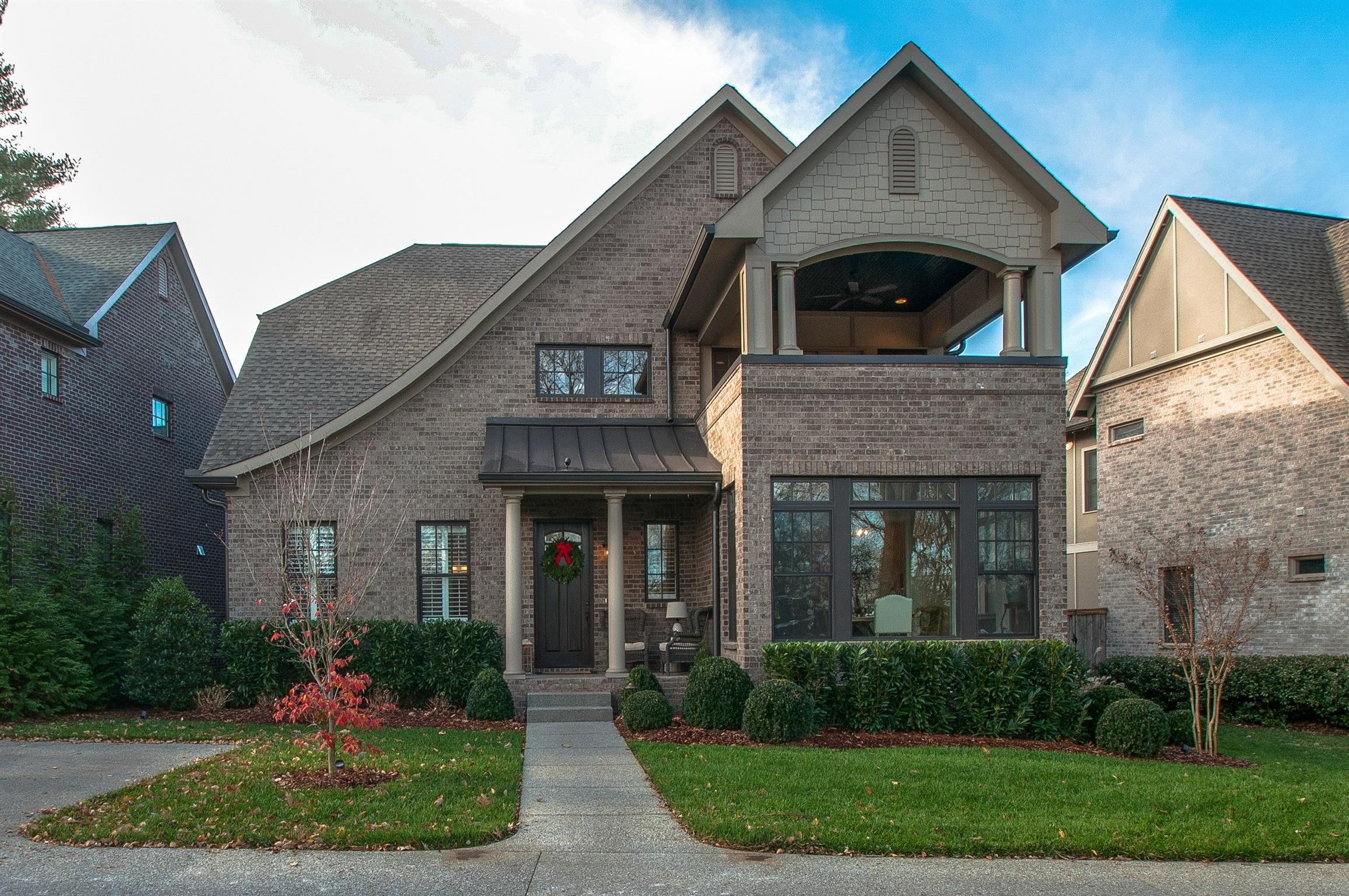 Great house for entertaining in desirable Belle Meade Highlands! Easy walkability to restaurants and shops in Belle Meade, 10 ft ceilings, 2 Car Garage, and Fireplace in Master & Den. Over 150k added in outdoor living entertainment area which includes a year round screened porch with fireplace.