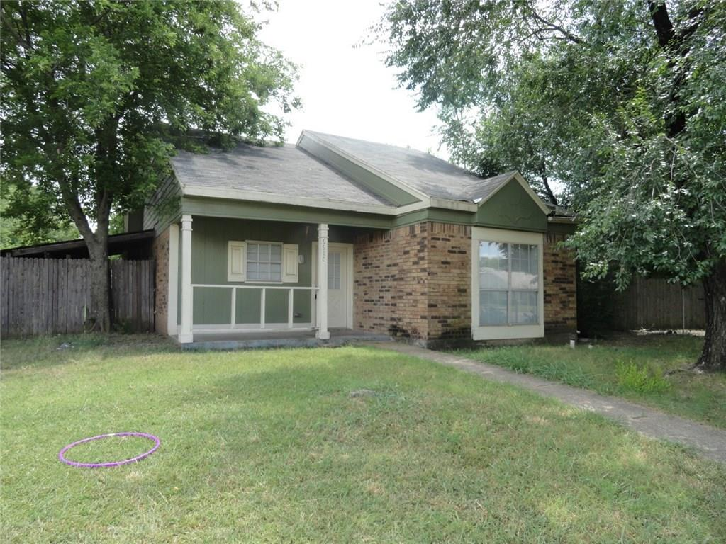 Great little rent property with a lot of space for this price. This one is move in ready so don't let it split away.