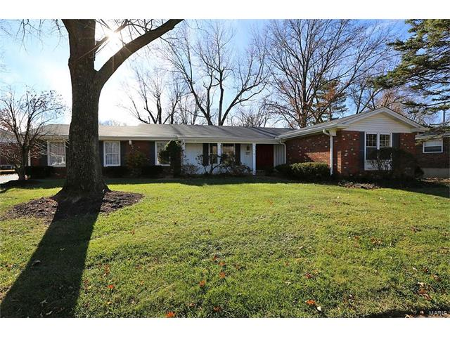6 Foxhunt Drive, Chesterfield, MO 63017
