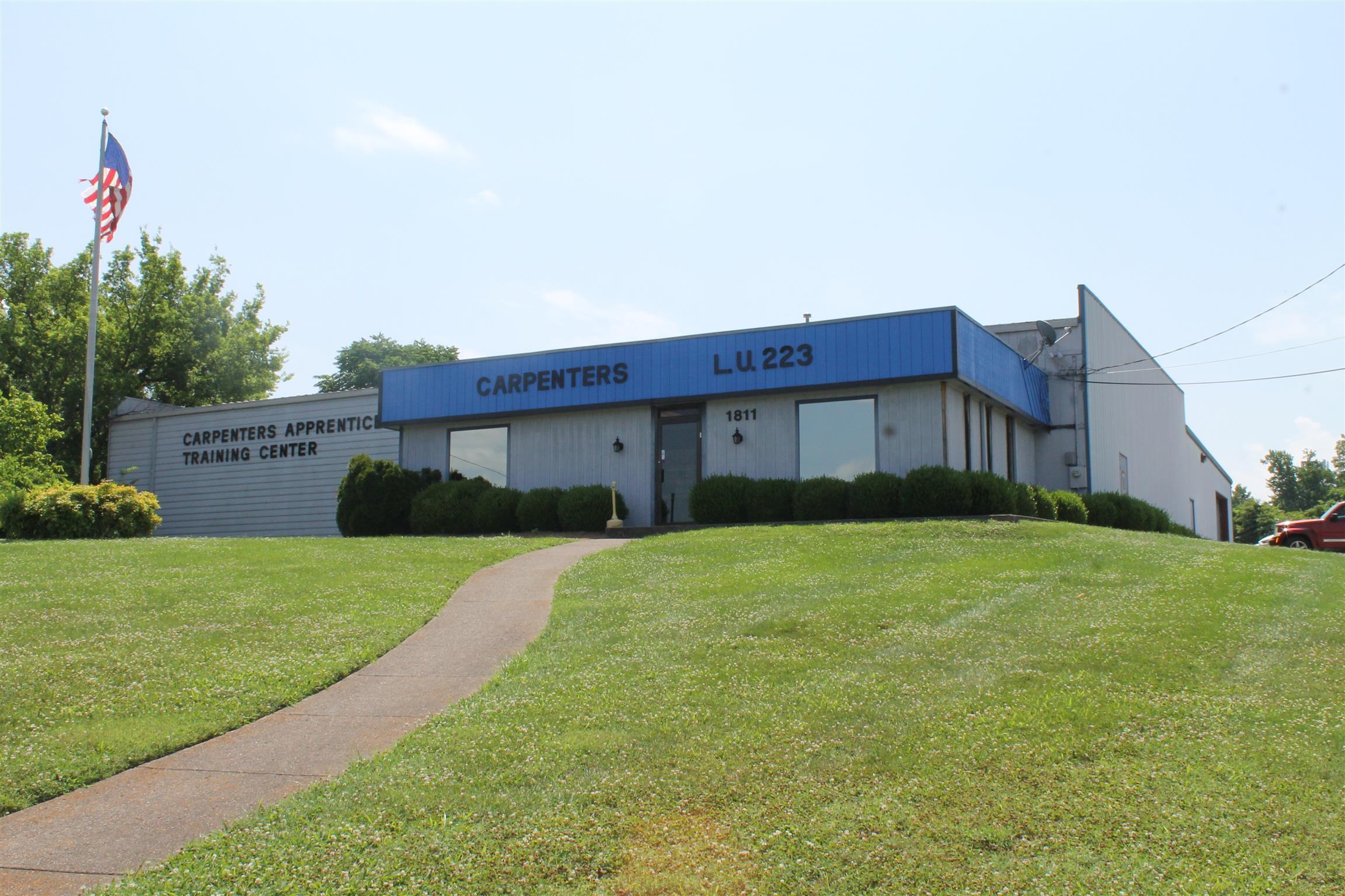 1811 Air Lane Dr, Nashville, TN 37210