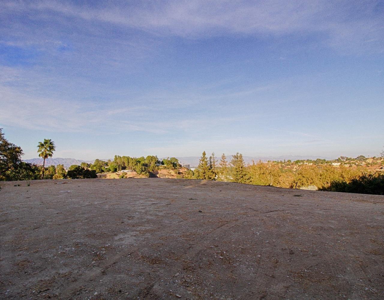 15935 SKYTOP Drive, Encino, CA 91436