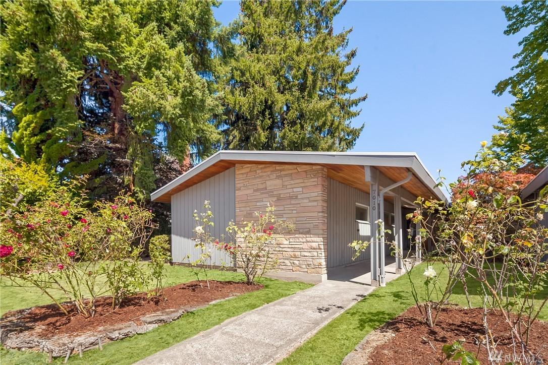 7010 55th Ave S, Seattle, WA 98118