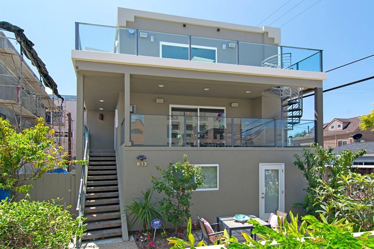 833 Rockaway Ct, San Diego, CA 92109