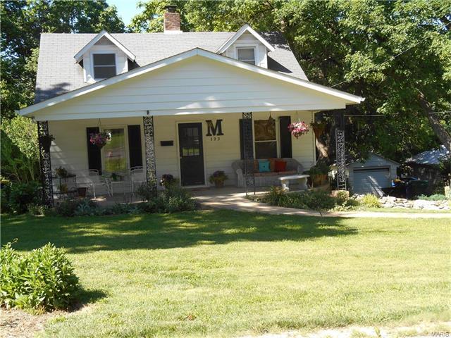 123 Saint George, Webster Groves, MO 63119