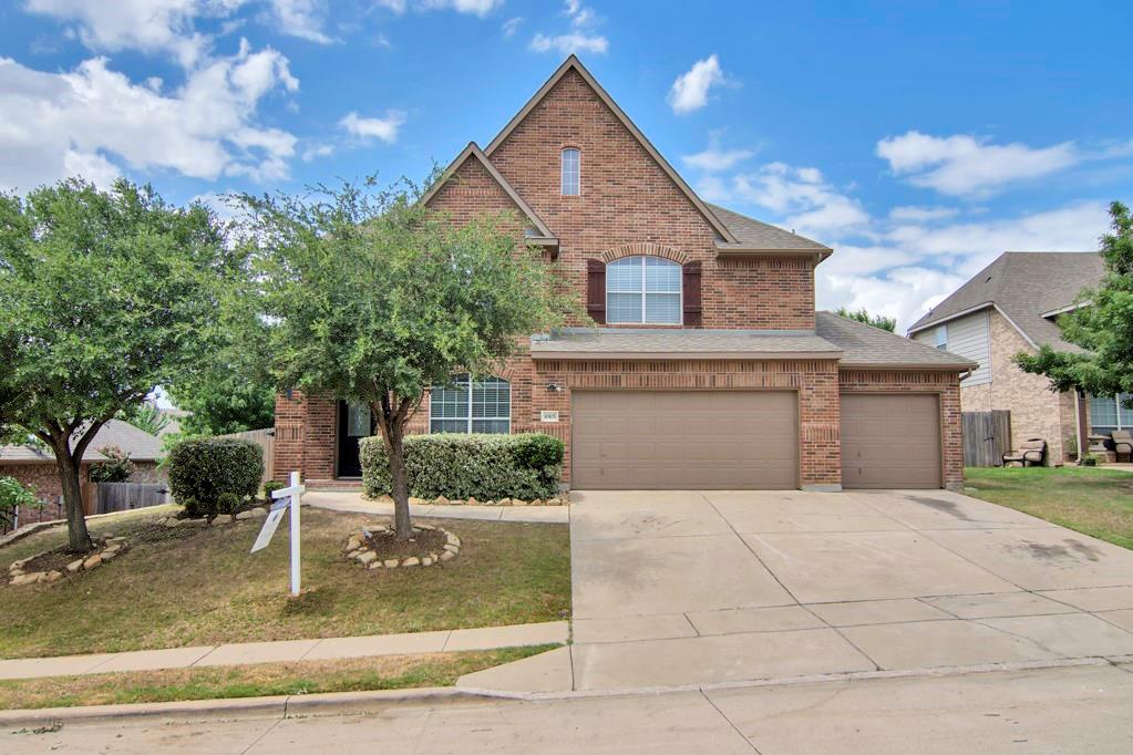 OPEN HOUSE SAT & SUN 12:00-5:00pm** NEW CARPET, NEW PAINT in this Beautiful 4BR,3.5BA, with 2 living areas, study, MEDIA room! Kitchen upgrades galore - stainless, walk-in & butler pantry, vented gas range, granite counters just to name a few. Wrought iron spindle stairs leads to upstairs living room & media room. All bedrooms oversized! Master Bath with tile jetted tub, Large dbl head shower & two walk-in closets! This home is a must see!
