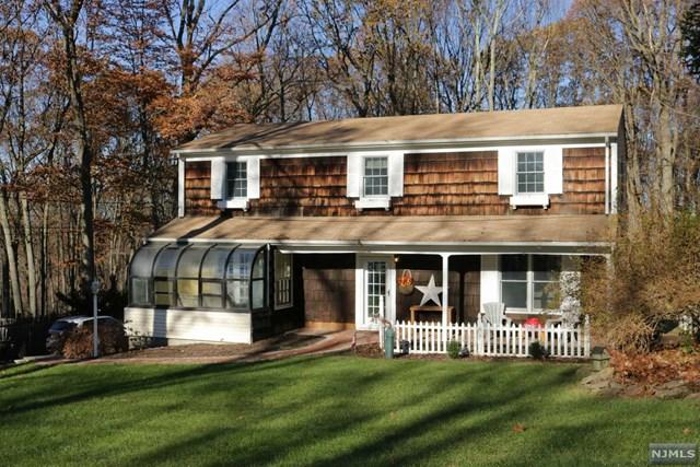 11 Crestwood Drive, Randolph Township, NJ 07869