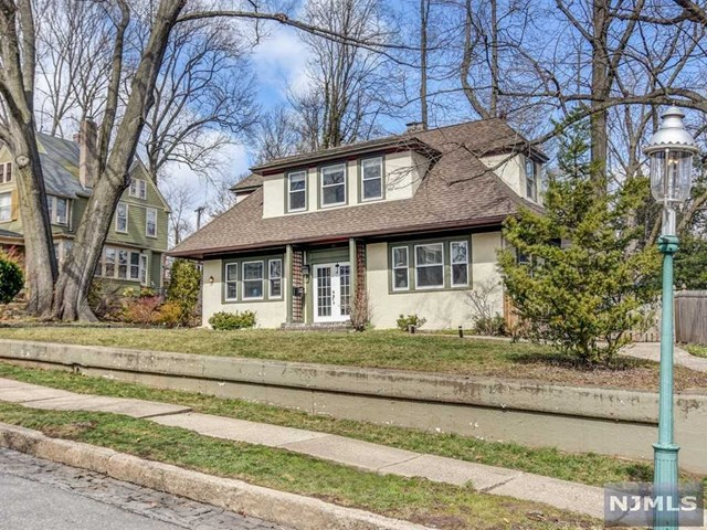 15 Snowden Place, Glen Ridge, NJ 07028