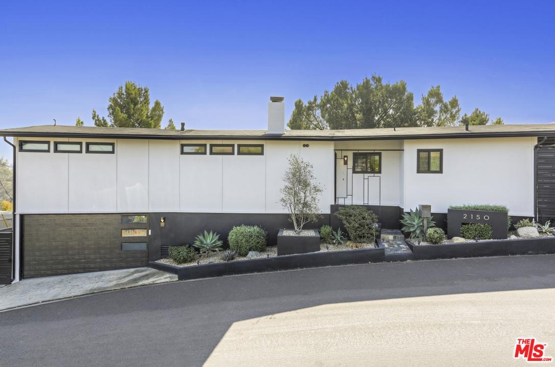 2150 RIDGEMONT Drive, Los Angeles (City), CA 90046
