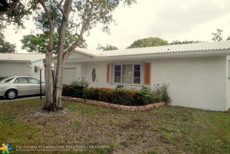2 bedroom 2 bath 1 car garage tile floors  single family home in active 55+ community.  Monthly maint covers all rec facilities and all outside maint including lawn, sprinkler, exterminator, roof and also your cable service. Close to  all major roads, 15 min from airport and cruise port. Resturants, great shopping  and entertainment  all  close by.