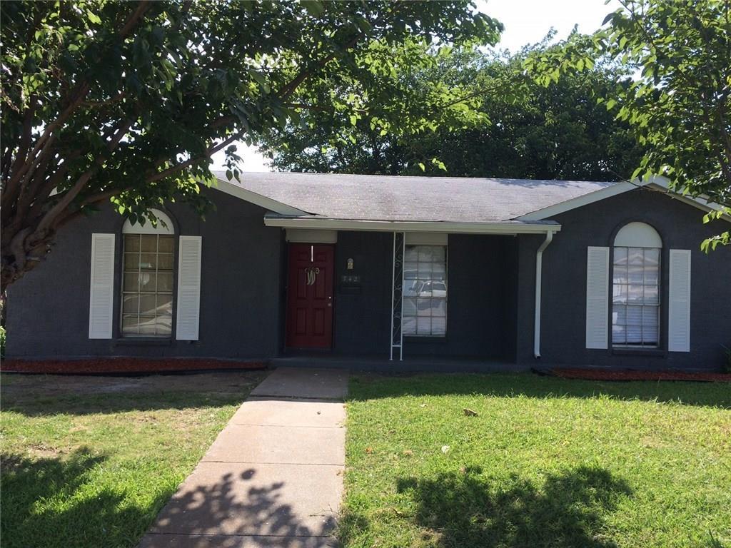 742 Tapley Street, Grand Prairie, TX 75051